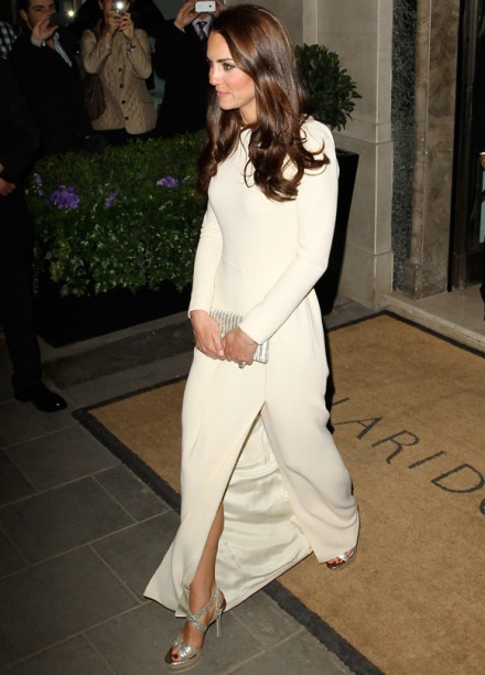 Kate-Middleton-Claridges-0512-2