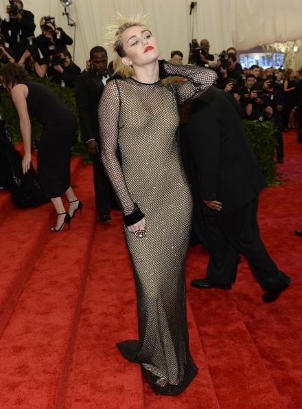 Met Gala - Miley